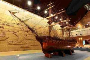 神戸海洋博物館エントランスホール