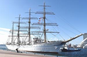 大型練習帆船 海王丸